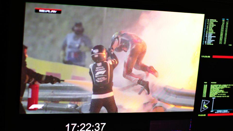 Ein Adventswunder: Romain Grosjean entkommtknapp der Flammenhölle in Bahrain