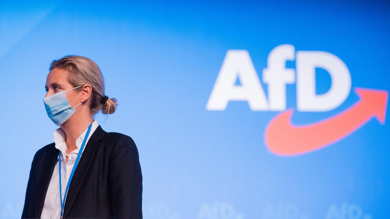 Alice Weidel, stellvertretende Bundessprecherin der AfD, steht beim Bundesparteitag in Kalkar