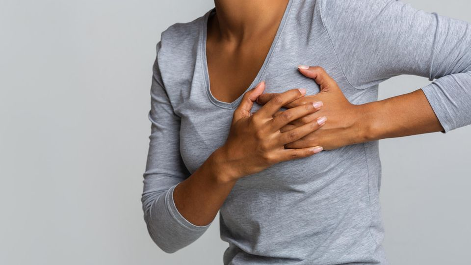 Die Diagnose: Es wirkt wie ein harmloser Hautausschlag – doch die rote Stelle an ihrer Brust ist lebensgefährlich