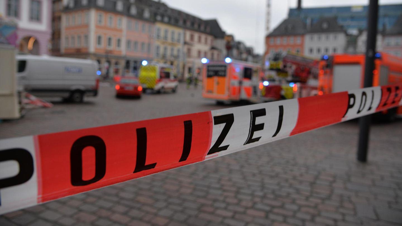 Absperrband der Polizei - kein Zugang zur Innenstadt von Trier