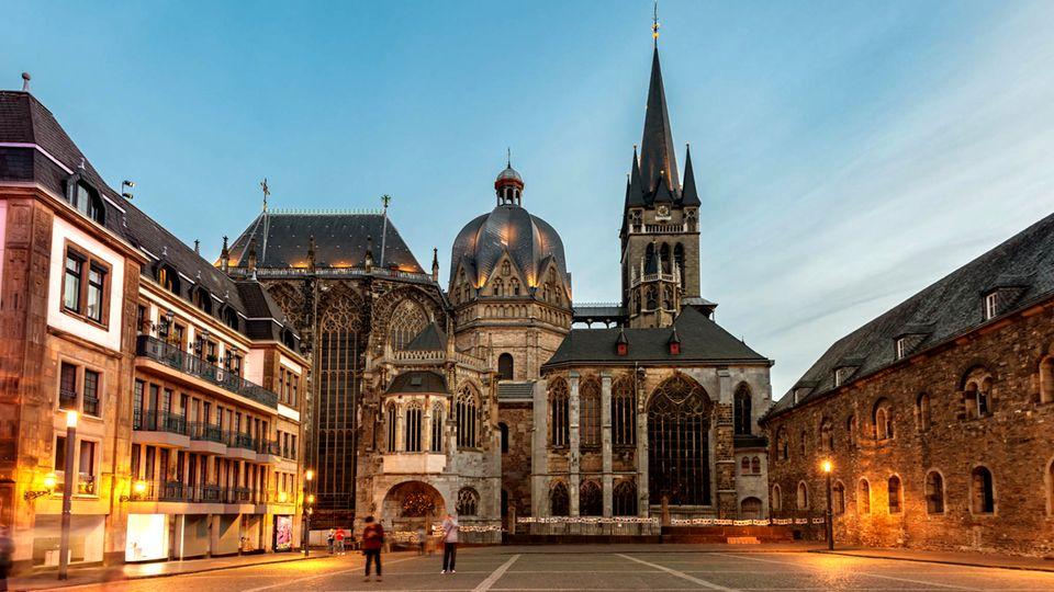 Orte, die Geschichte schrieben: Immer dem Kaiser nach - warum sich ein Besuch des Aachener Doms so lohnt