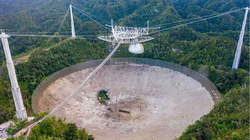 Arecibo-Teleskop in Puerto Rico kollabiert