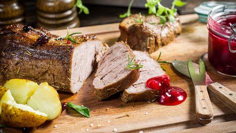 Rezepte fürs Weihnachtsfest: Hirschkeule, Serviettenknödel, Mandarinen-Mousse - und das alles ohne Stress!