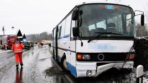 Nachrichten aus Deutschland – Schulbus-Unfall in Grassau, Traunstein