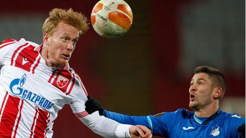 Hoffenheims Andrej Kramaric (r.) und Belgrads Radovan Pankov kämpfen um den Ball