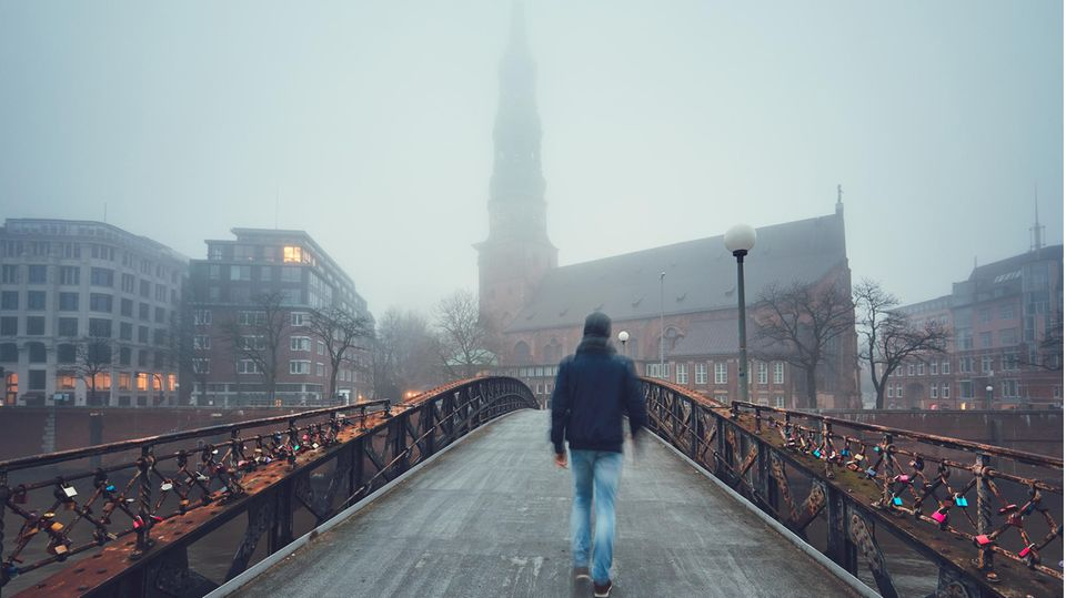 Dunkle Jahreszeit: Grauer Himmel, ständig müde, der Winter schlägt aufs Gemüt - so können Sie das ändern