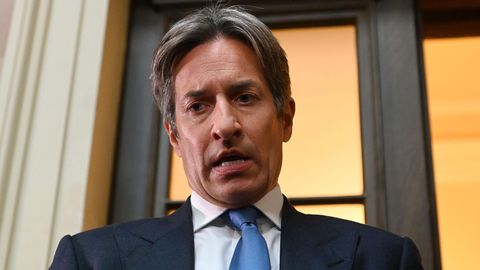 Österreichs Ex-Finanzminister Grasser ist wegen Untreue zu einer langen Haft verurteilt worden