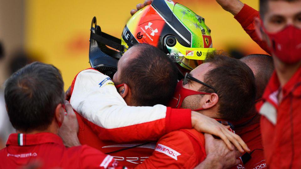 Bahrain: Aufstieg als Champion: Mick Schumacher holt Formel-2-Titel