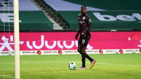 Silas Wamangituka spaziert in aller Ruhe Richtung Bremer Tor, bevor er den Ball über die Linie kickt
