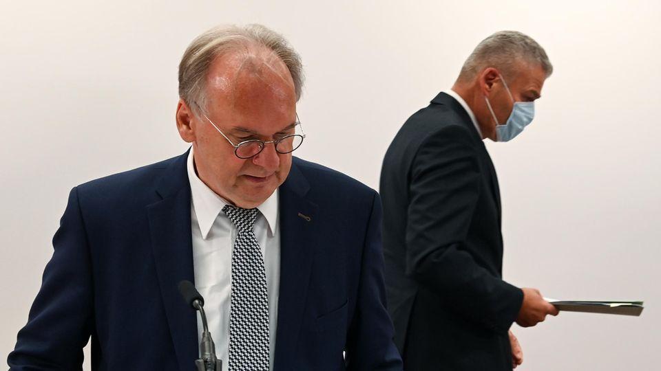 Reiner Haseloff (CDU), Ministerpräsident von Sachsen-Anhalt (l.) und Ex-Landesinnenminister Holger Stahlknecht (CDU)