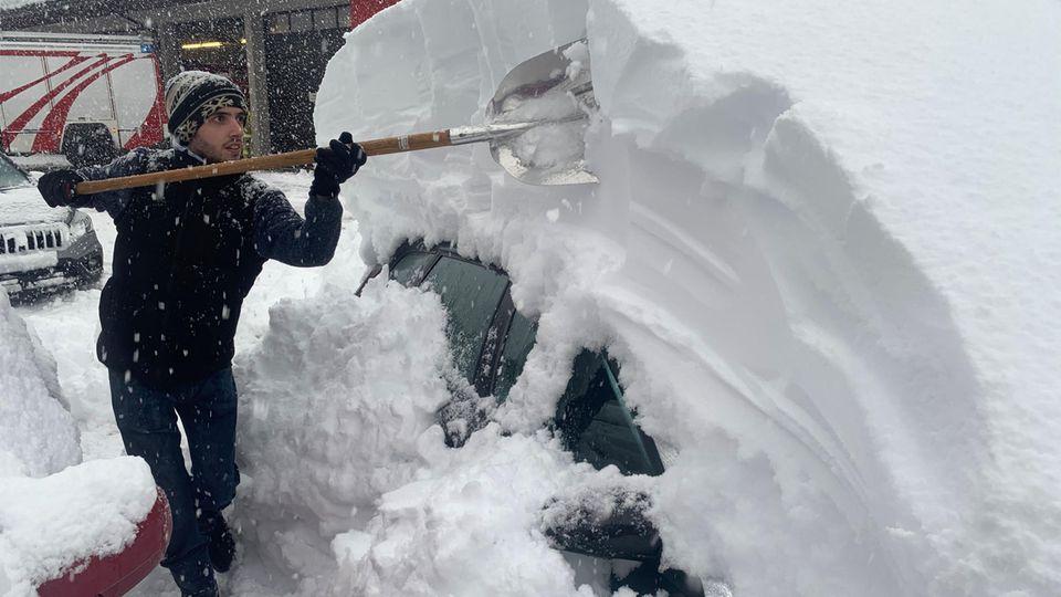 Viel Schnee - Probleme in den Alpen