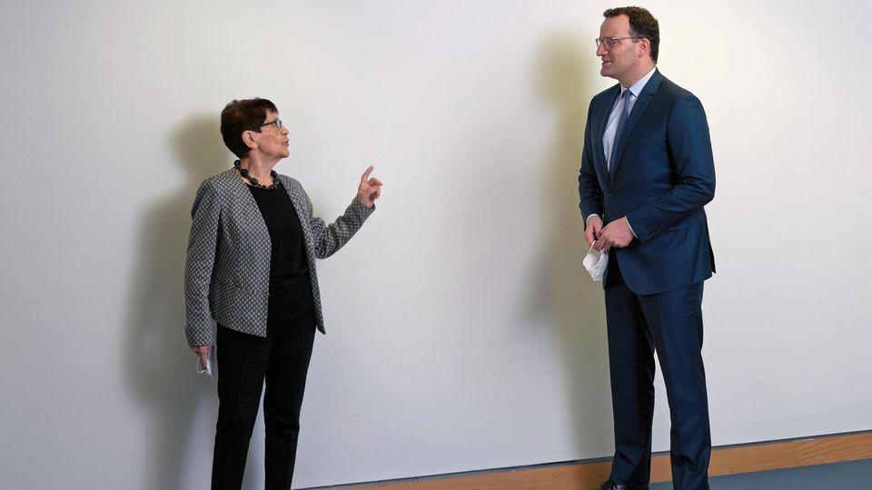 Rita Süssmuth, 83, und Jens Spahn, 40, hatten im Bundesgesundheitsministerium in Berlin viel zu bereden