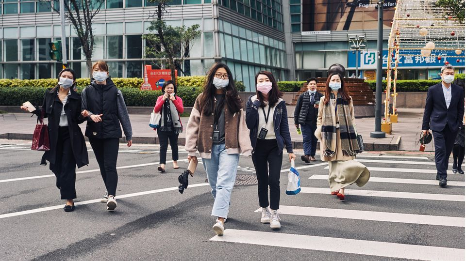 Coronavirus-Straßenszene in Taipeh, der Hauptstadt Taiwans