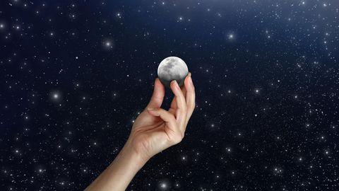 Das Heimplanetarium bringt den Sternenhimmel von draußen nach drinnen zu Ihnen