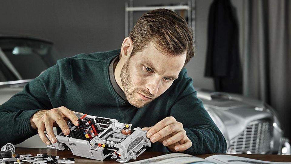 James Bond Aston Martin DB5 und sein Designer