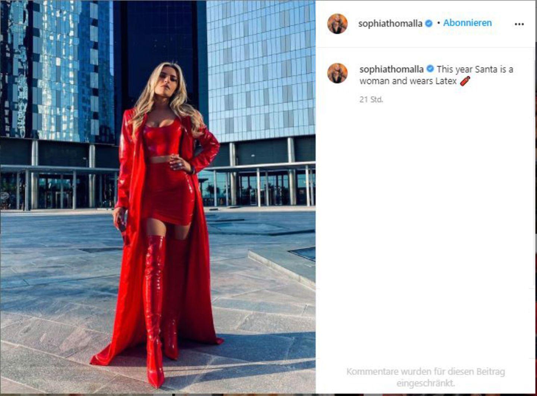 Vip-News: Weihnachtsfrau in Latex - Sophia Thomalla schmeißt sich für das Fest in Schale