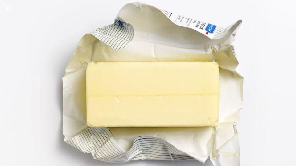 Life Hack Küche: Mit diesem Trick wird harte Butter in Minuten weich
