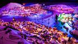 Bergen: Eine Miniaturstadt zum Durchschreiten  Die norwegische Hafenstadt ist für die nachgebaute Kleinversion aus Lebkuchenhäuschen bekannt, die in der langen Dunkelheit im Dezember farbig illuminiert werden.