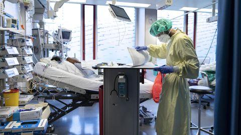 """Dramatische Intensiv-Lage in Sachsen: Medizinethiker über Triage: """"Per se ist das Alter kein Entscheidungskriterium"""""""