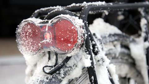 Fahrradabdeckungen können Ihr Fahrrad im Winter vor Schnee und Nässe schützen.