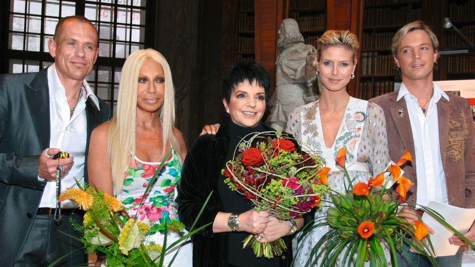 Gery Keszler mit Donatella Versace, Liza Minnelli, Heidi Klum und Markus Langes-Swarovski