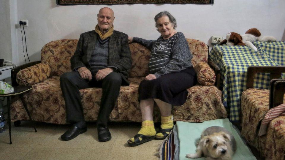 Therese Adib und ihr Mann Hannain ihrer Wohnung in Beirut
