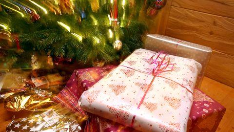 Weihnachten steht vor der Tür und trotz der Corona-Pandemie und des Lockdowns wird es wieder reichlich Geschenke geben