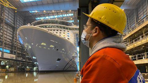 """Die """"Odyssey of the Seas"""" hat auf der Meyer Werft in Papenburg das Baudock bereits verlassen"""