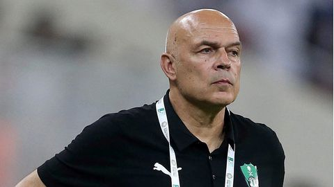 Er soll Schalke vor der 2. Liga retten: der Schweizer Trainer Christian Gross