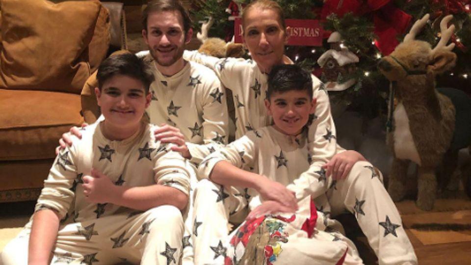 Celine Dion mit ihren drei Söhnen: Rene-Charles, 19, und denbeiden Zwillinge Nelson und Eddy, 10.