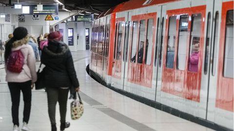 In einer Hamburger S-Bahn kam es zu einem Streit