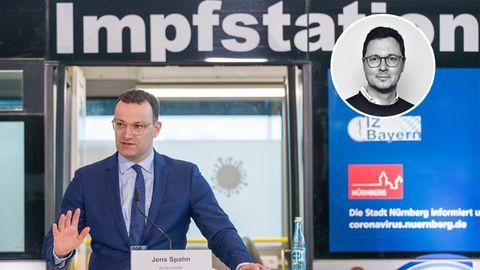 Jens Spahn (CDU), Bundesgesundheitsminister, bei einem Besuch des Nürnberger Corona-Impfzentrums. Auf ihn konzentriert sich die aktuelle Kritik zur Impfbeschaffung