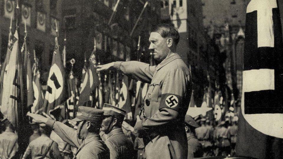 Nürnberg, Reichsparteitag 1934, Adolf Hitler, Blutfahne von 1923, Vorbeimarsch der SA