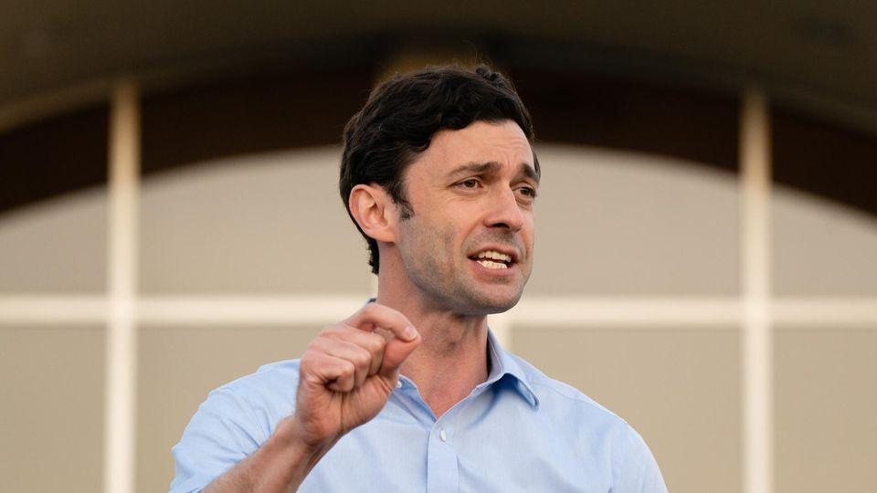 Der demokratische Politiker Jon Ossoff aus Georgia bei einer Rede