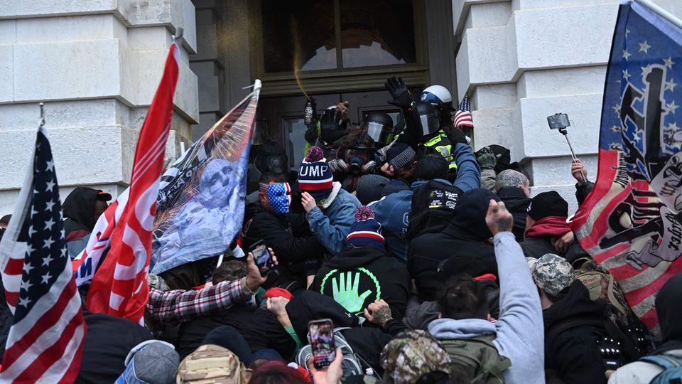 Ausschreitungen vor dem Kapitol in Washington D.C.