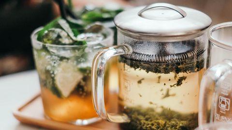 Diät mit Heißgetränk: Diese vier Teesorten helfen beim Abnehmen