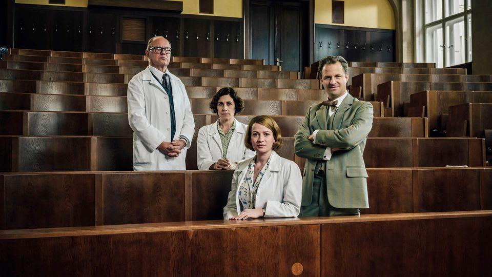 """Die sechs neuen Episoden von """"Charité"""" werden am 12., 19. und 26.Januar jeweils dienstags in Doppelfolgen gesendet. Bereits jetzt ist die komplette dritte Staffelonline in der ARD-Mediathek abrufbar."""