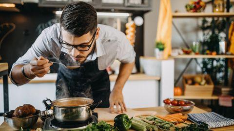 Kleine Tricks für großen Genuss: Einfach mal Messer und Gabel vertauschen – so lernen Sie, das Essen wieder zu genießen