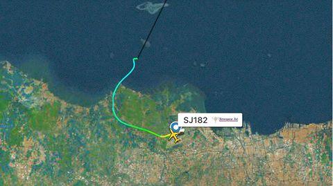 Dieses Radarbild zeigt die Flugbahn des indonesischen Sriwijaya Air Flug 182, bevor er vom Radar verschwand