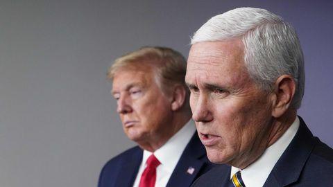 US-Vizepräsident Mike Pence (im Vordergrund) und Präsident Donald Trump