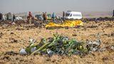 Äthiopien, März 2019  Beim Absturz einer Boeing 737 Max 8 der Ethiopian Airlines kommen alle 157 Insassen ums Leben. Ermittler sehen die eigens für die 737 Max entwickelte Steuerungssoftware MCAS als Unglücksursache. Auch der US-Flugzeugbauer räumt das ein.