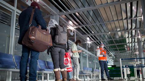 Reiserückkehrer aus Cluj in Rumänien am Nürnberger Flughafen