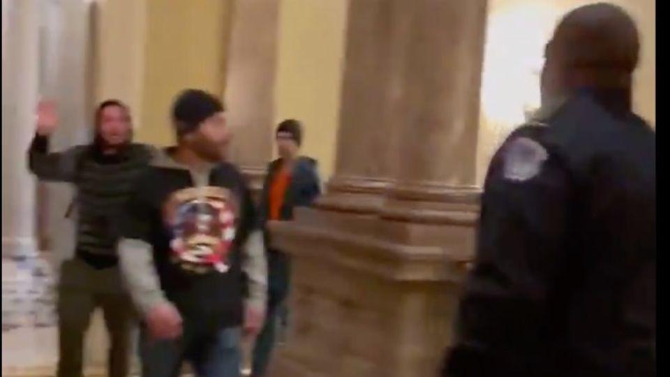 Sturm auf das Kapitol: Polizist stellte sich dem Mob entgegen – und verhinderte damit wohl eine Katastrophe
