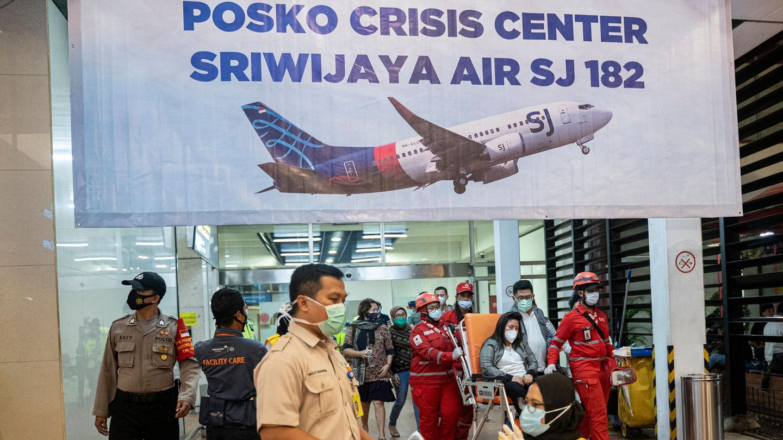 Sriwijaya-Air-Absturz: Für Angehörige des Fluges SJ182 wurde am Flughafen von Jakarta ein Krisenzentrum eingreichtet.