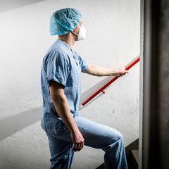 Lars B., Pflegefachkraft auf einer Schlaganfallstation