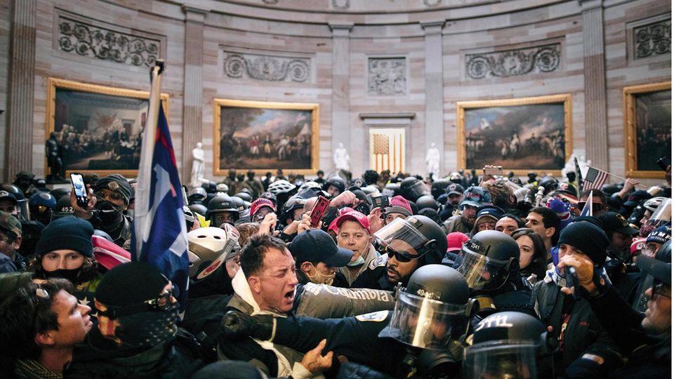 Trump-Anhänger stürmen das Kapitol