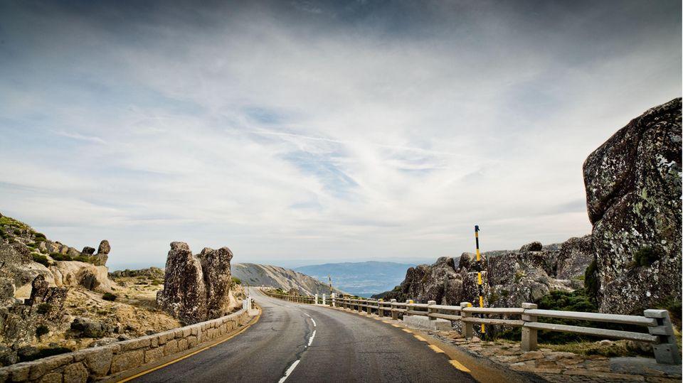 Das Portugal der Küstenstraßen jenseits der schnellen Verbindungsstraßen.