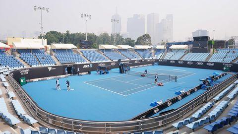 Blick über einen Tennisplatz