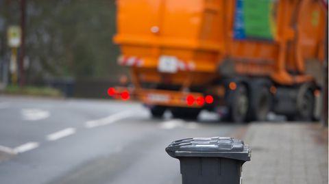 Ein Müllauto als Symbolfoto für Nachrichten aus Deutschland