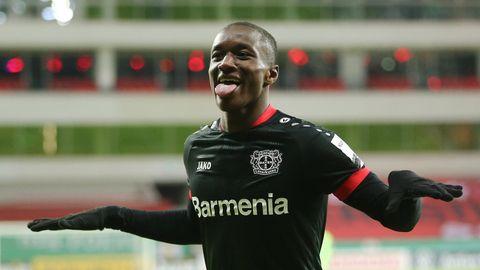 Moussa Diaby von Bayer Leverkusen jubelt über ein Tor im Pokalspiel gegen Eintracht Frankfurt